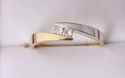 Bi Gold Crossover Ring