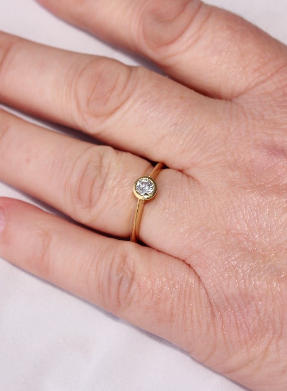 18ct Gold 0.25ct Natural Diamond Solitaire Ring. Rub-Over Engagement ...